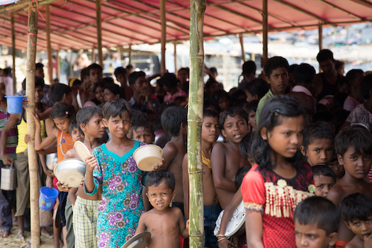 Rohingya childrens waiting for food in refugee camp in Bangladesh