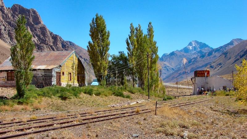 Lujan de Cuyo Valley, Mendoza, Argentina. Source: Wikimedia Commons