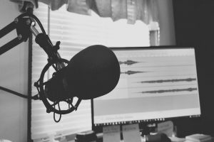 Podcasting for Beginners in 2020 - Learn How to Do It