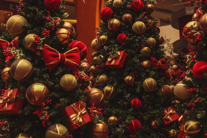 7 Christmas Shopping Tips 2020